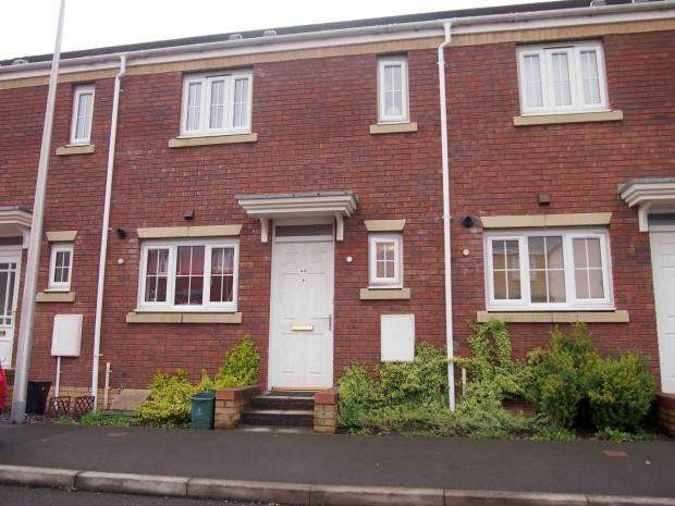 2 Bedrooms Terraced House for sale in Moorland Green, Swansea, SA4
