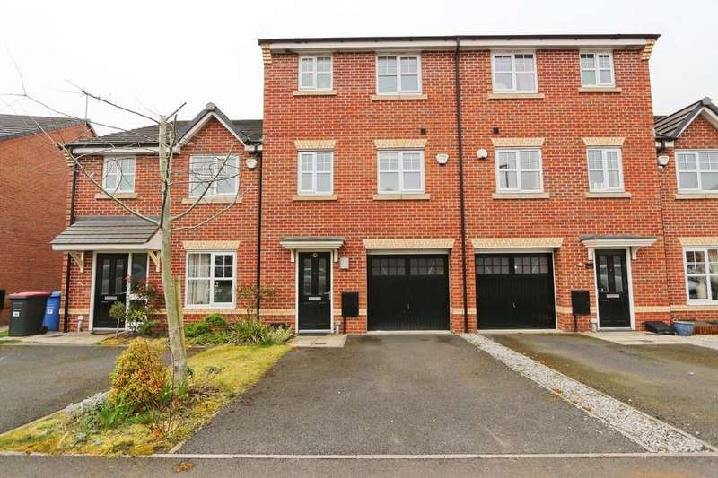 4 Bedrooms Terraced House for sale in 241 Roseway Avenue, Cadishead, Manchester