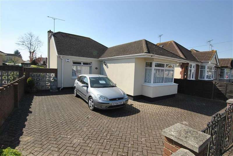 2 Bedrooms Detached Bungalow for sale in North Crescent, Prittlewell, Essex