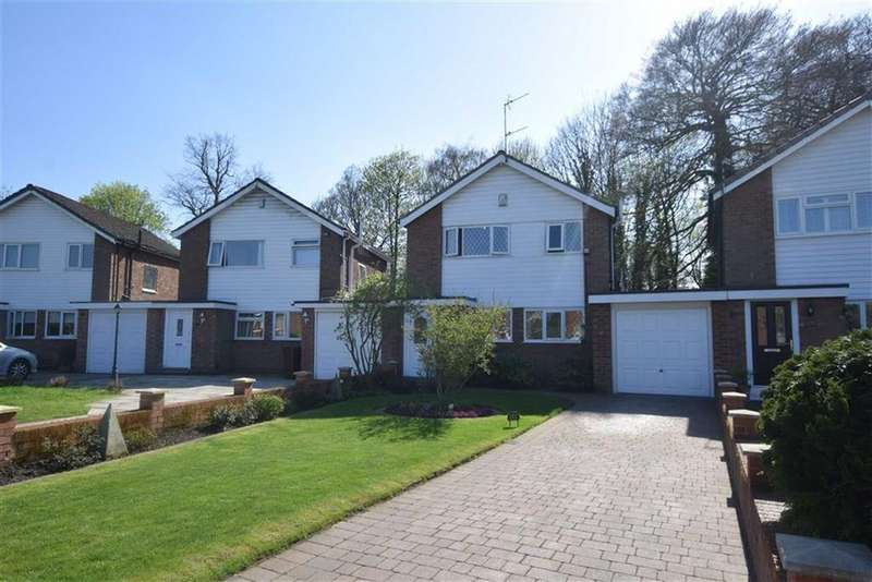 3 Bedrooms Detached House for sale in Fairway Avenue, Brooklands, M23