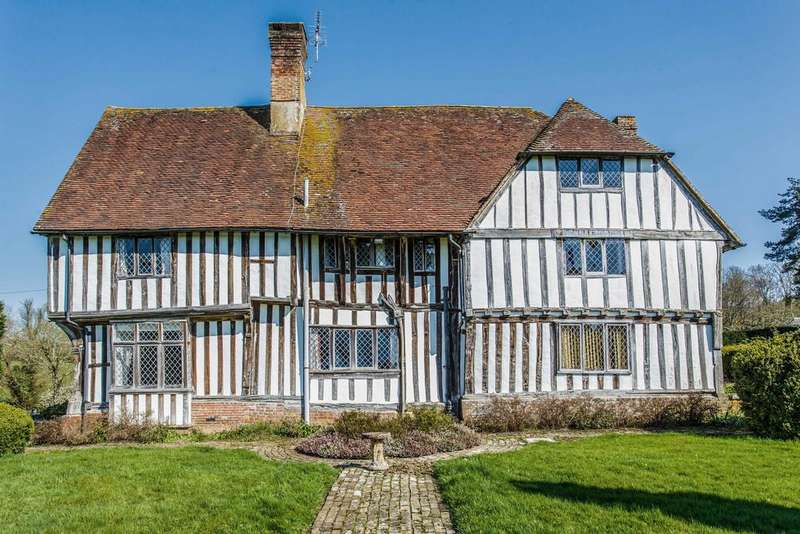 6 Bedrooms Manor House Character Property for sale in Ewhurst Lane, Northiam, East Sussex TN31 6HJ