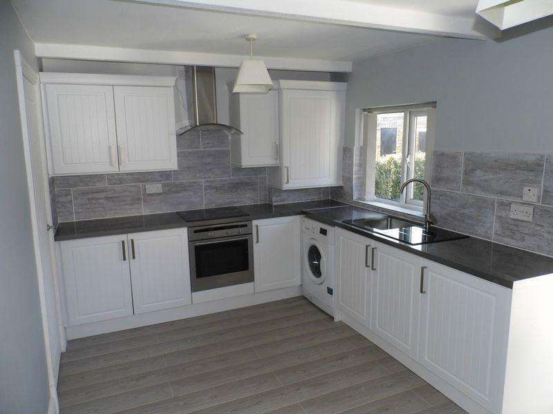 2 Bedrooms Terraced House for sale in Church Street, Westhoughton, Bolton