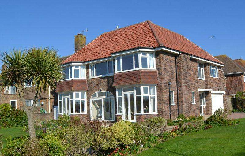 5 Bedrooms Detached House for sale in SUBSTANTIAL SEAFRONT PROPERTY