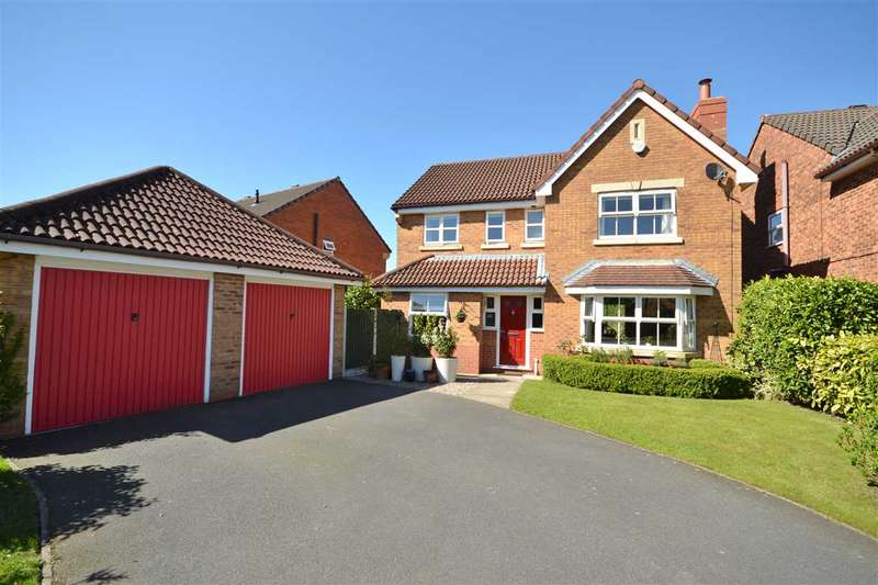 4 Bedrooms Detached House for sale in Mimosa Close, Euxton, Chorley