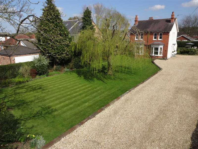 3 Bedrooms Detached House for sale in Brant Road, Waddington, Waddington, Lincoln