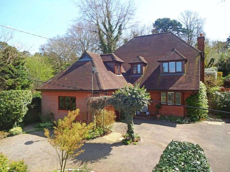 4 Bedrooms Property for sale in 27 Carlton Road, Headley Down