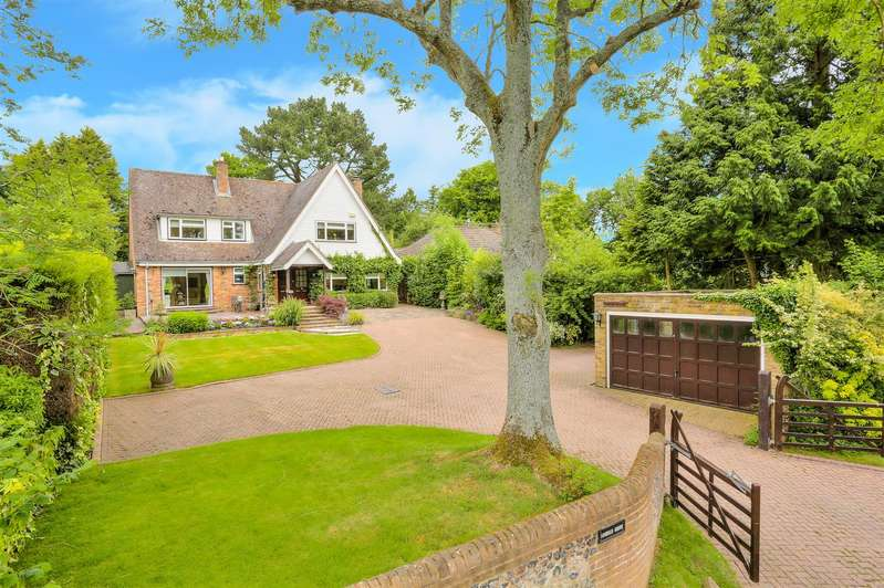 5 Bedrooms Property for sale in Broomstick Lane, Buckland Common, Nr Cholesbury