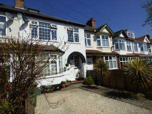 4 Bedrooms Terraced House for sale in Abbots Way, Beckenham, Kent
