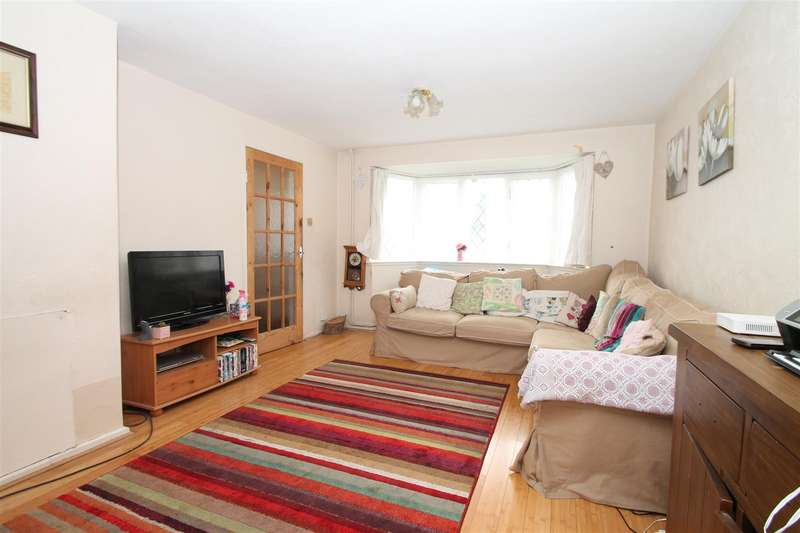 2 Bedrooms Terraced House for sale in Wauthier Close, Palmers Green, London N13