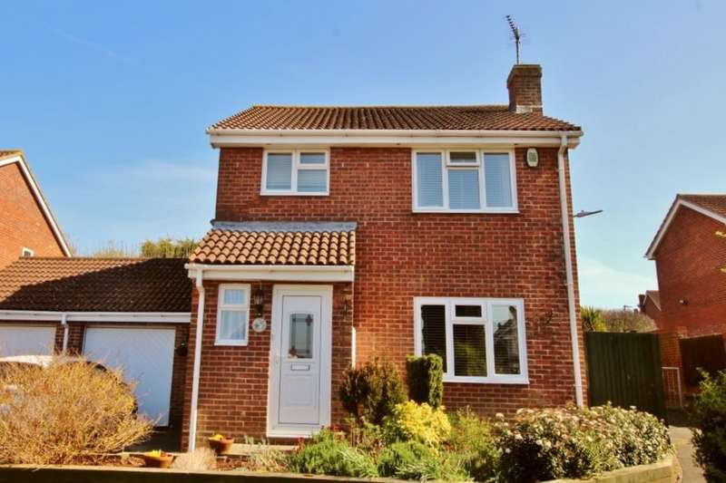 3 Bedrooms Detached House for sale in Grampian Close, Eastbourne, BN23