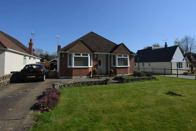 3 Bedrooms Detached Bungalow for sale in Sandyhurst Lane, Ashford