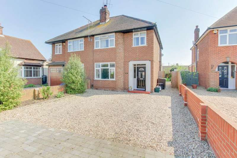 3 Bedrooms Semi Detached House for sale in Shrub End Road, Colchester, CO3