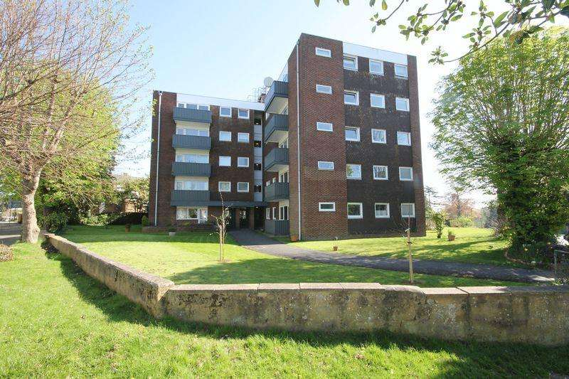 1 Bedroom Apartment Flat for sale in Tower House, Silverdale Road, Burgess Hill, West Sussex