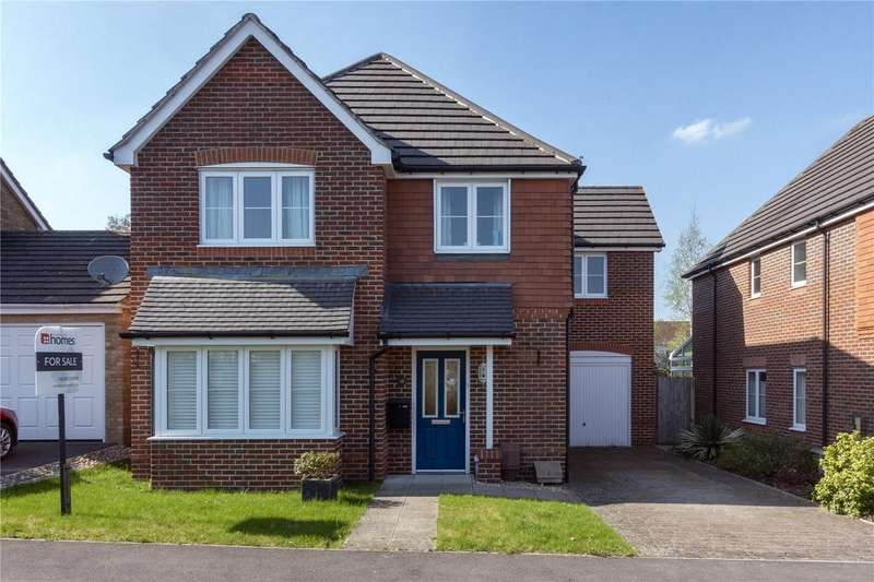 4 Bedrooms Detached House for sale in Knights Way, Alton, Hampshire