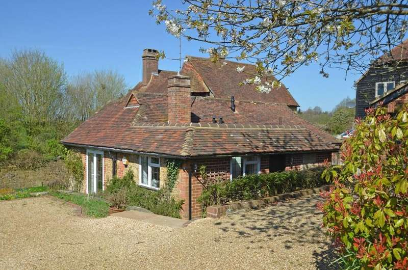 3 Bedrooms Link Detached House for sale in Hurtmore