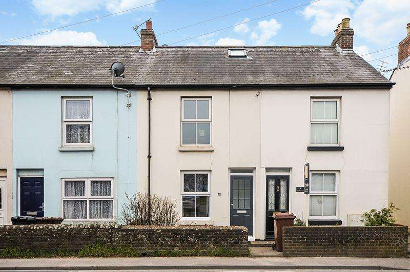 2 Bedrooms Terraced House for sale in Hunston, Chichester