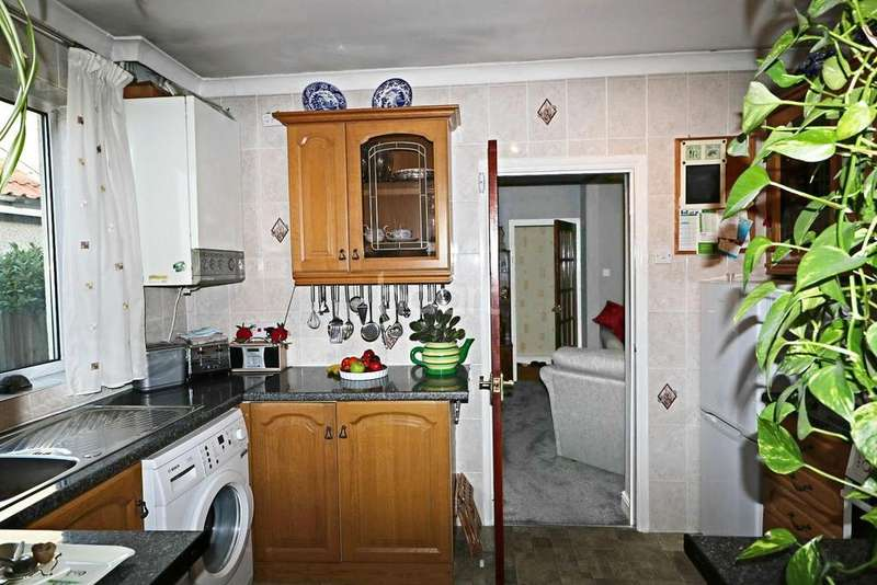 2 Bedrooms Bungalow for sale in Detached Bungalow.