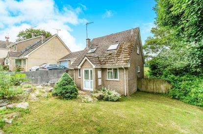 3 Bedrooms Bungalow for sale in Liskeard, Cornwall
