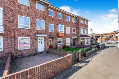 4 Bedrooms Terraced House for sale in Portsmouth, Hampshire, United Kingdom