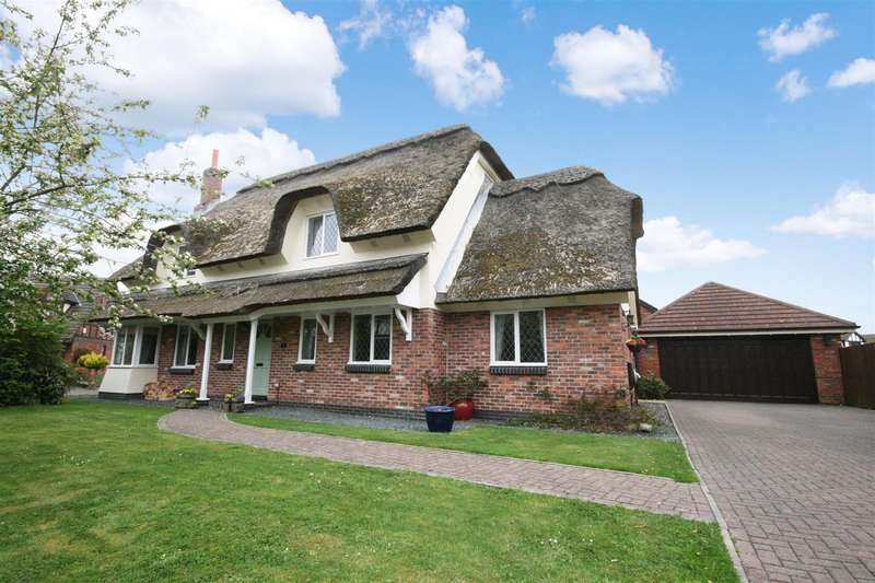 4 Bedrooms Detached House for sale in The Belfry, Lytham