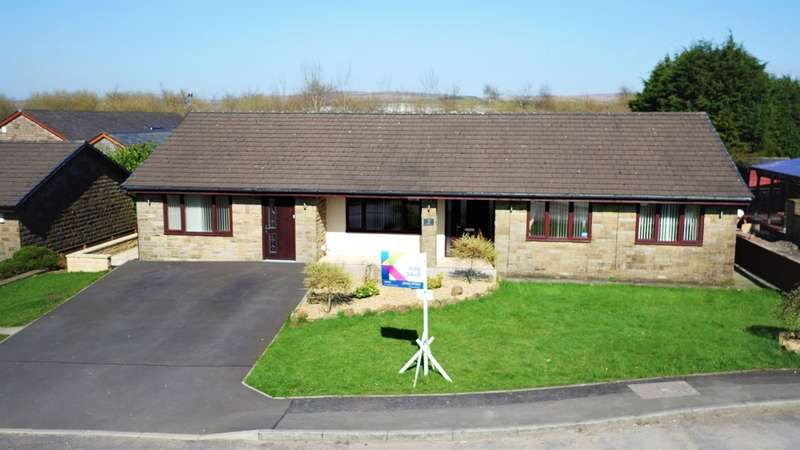 4 Bedrooms Detached Bungalow for sale in White Horse Meadows, Burnedge, Rochdale