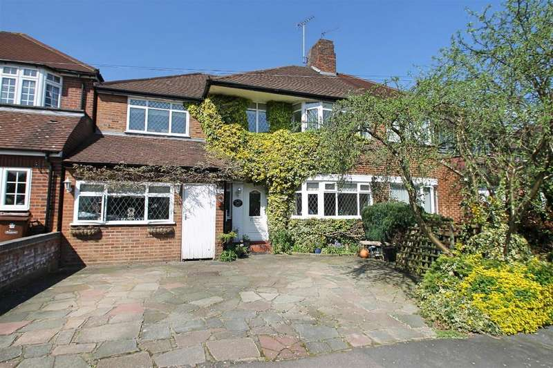 5 Bedrooms Semi Detached House for sale in Silverston Way, Stanmore