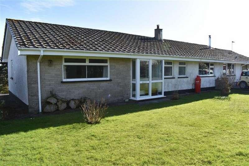 3 Bedrooms Detached Bungalow for sale in Panteg Cross, Llandysul, Carmarthenshire
