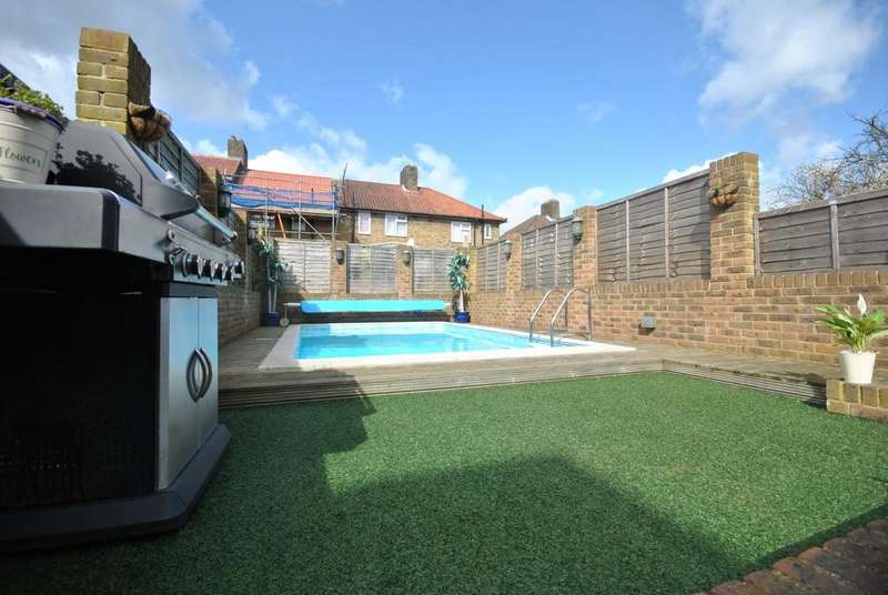 2 Bedrooms Terraced House for sale in Galahad Road BR1