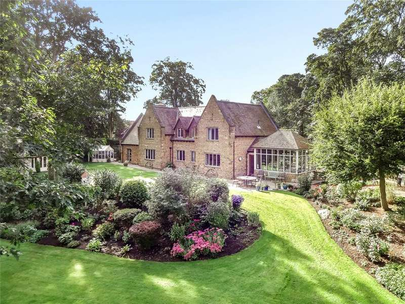 5 Bedrooms Detached House for sale in Fawsley, Nr Daventry, Northamptonshire
