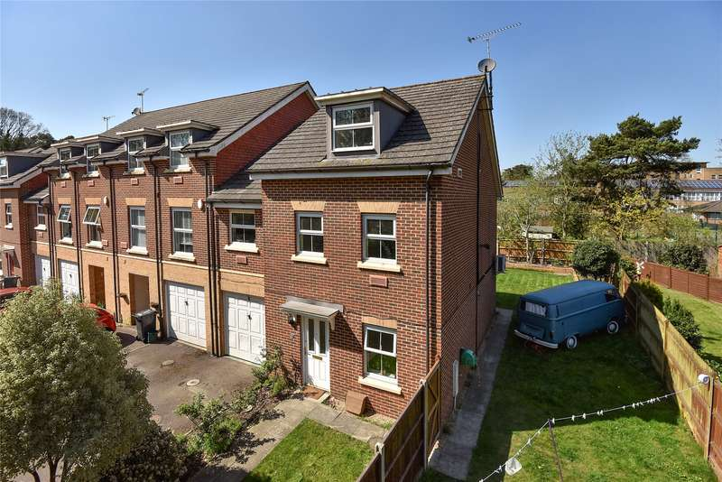 4 Bedrooms End Of Terrace House for sale in Dene Close, Camberley, Surrey, GU15