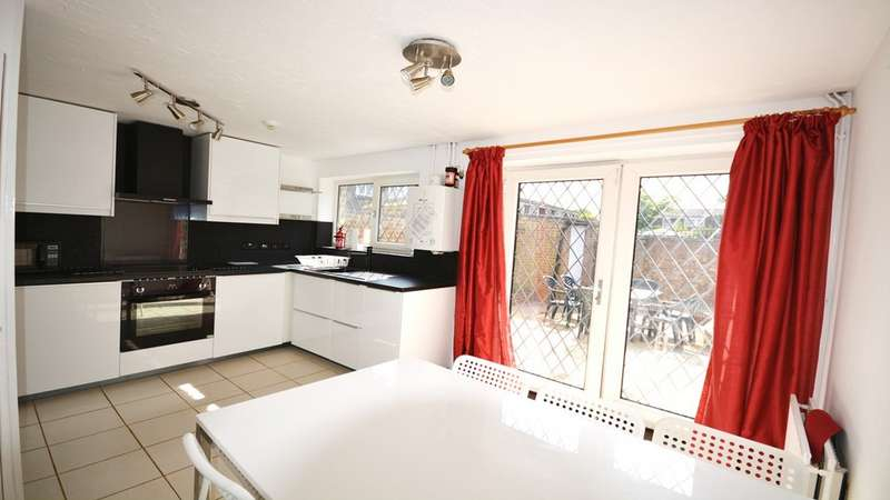 6 Bedrooms Semi Detached House for rent in Howard Road, Surbiton KT5