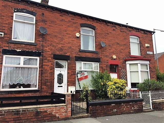 2 Bedrooms Terraced House for sale in Kirkby Road, Heaton, Bolton