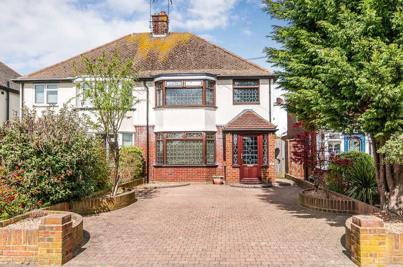 3 Bedrooms Semi Detached House for sale in Lindenthorpe Road, Broadstairs, CT10