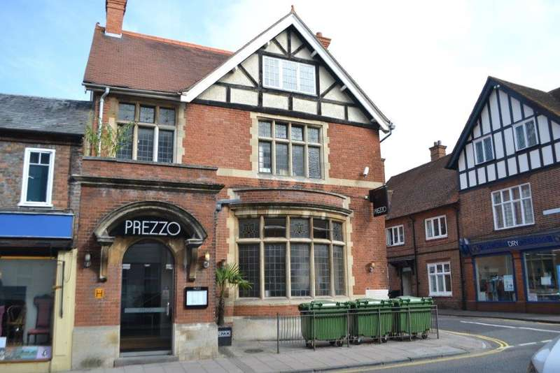 Shop Commercial for sale in 58 CHEAP STREET (FREEHOLD), NEWBURY, RG14 5DH, Newbury