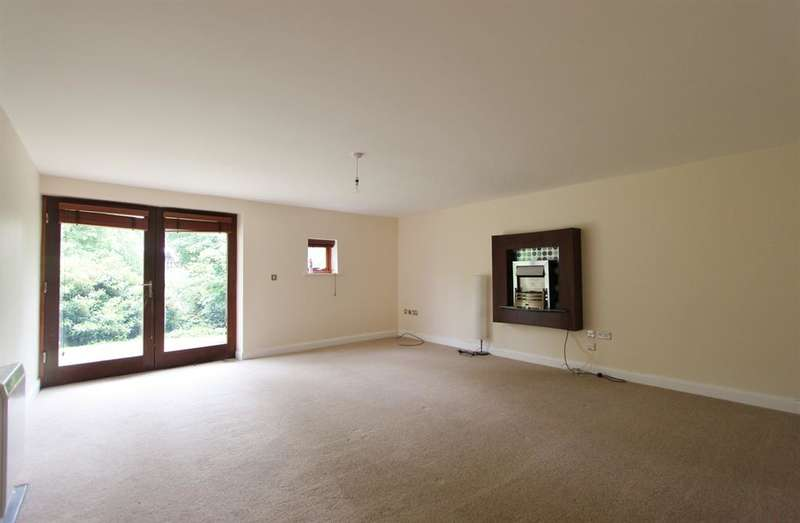 2 Bedrooms Ground Flat for rent in Weetwood Gardens, Knowle Lane, Sheffield, S11 9SU