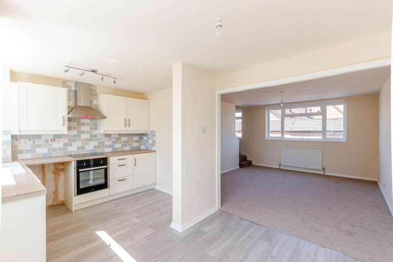 3 Bedrooms Town House for sale in Byfleet