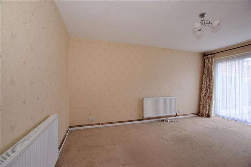 2 Bedrooms Semi Detached Bungalow for sale in Mead Green, Lords Wood, Chatham, Kent