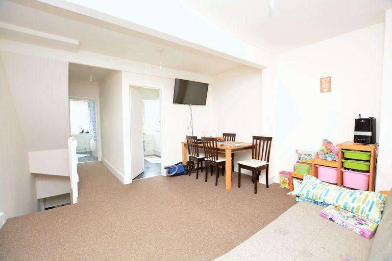 2 Bedrooms Flat for sale in Grays Road, Slough