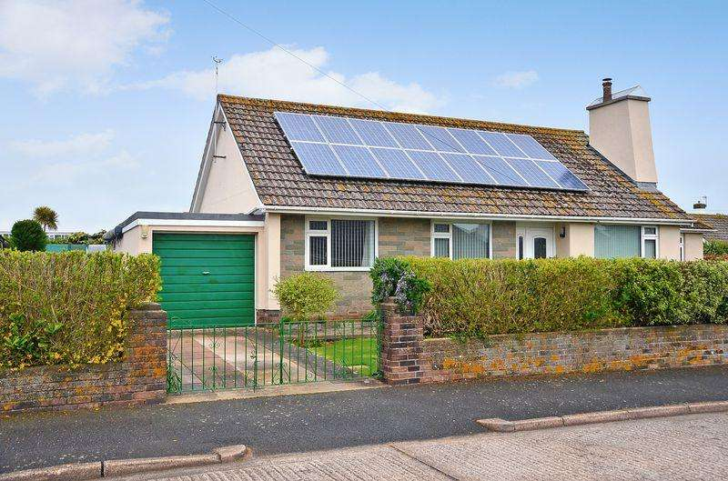 3 Bedrooms Bungalow for sale in CAMBRIDGE ROAD BRIXHAM