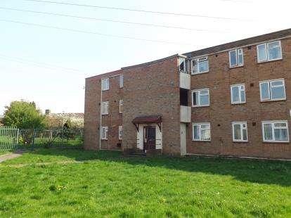 2 Bedrooms Flat for sale in Maskelyne Avenue, Manor Farm, Bristol