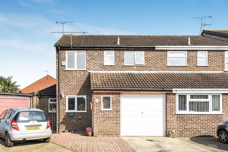 3 Bedrooms Semi Detached House for sale in Neptune Close, Wokingham, RG41