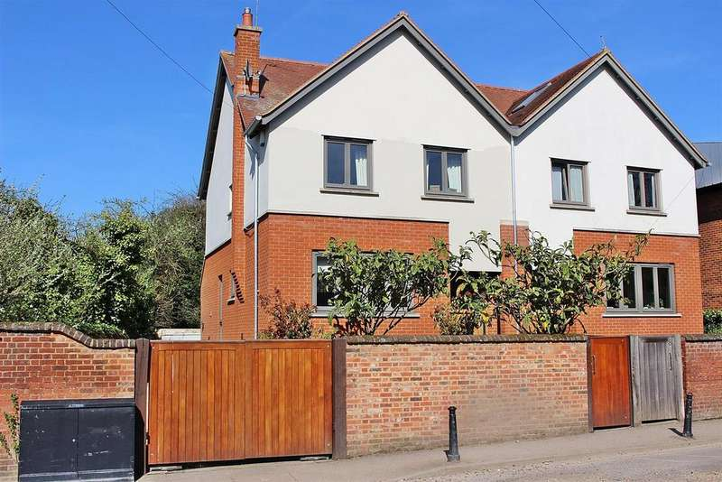 4 Bedrooms Semi Detached House for sale in Carlisle Avenue, St. Albans