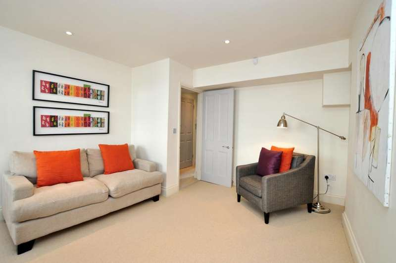 2 Bedrooms Apartment Flat for rent in Russell Street, Covent Garden, WC2B