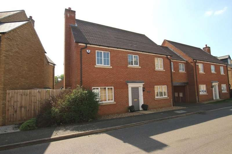 4 Bedrooms Link Detached House for sale in Alexander Chase, Ely
