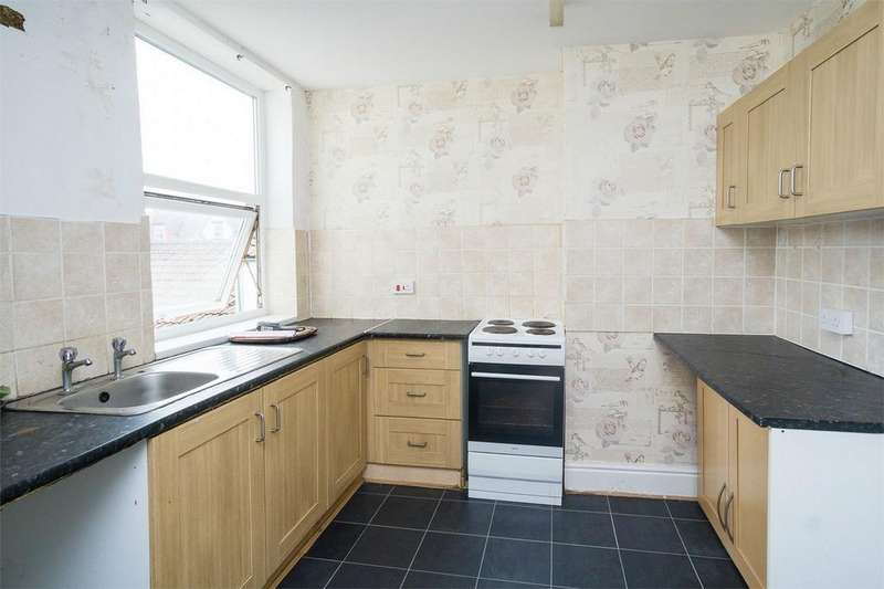 2 Bedrooms Flat for rent in 245 Queen Street, Withernsea, East Riding of Yorkshire