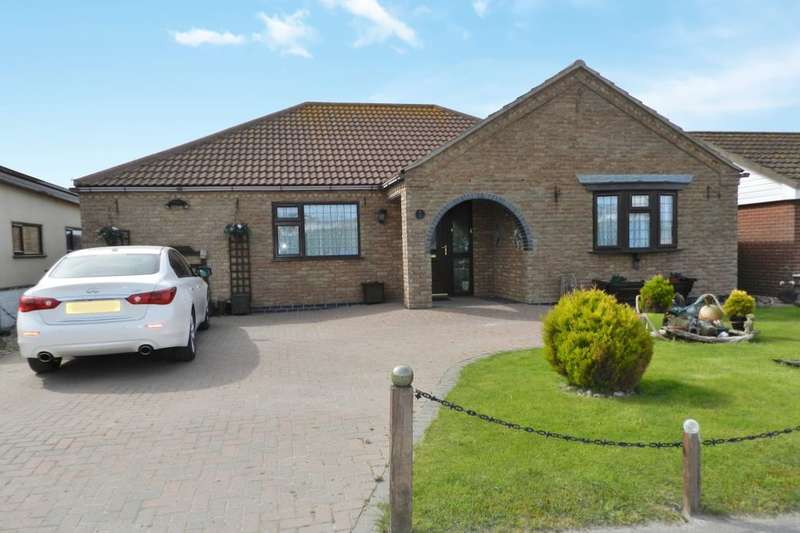 3 Bedrooms Detached Bungalow for sale in Roman Bank, Sandilands, LN12