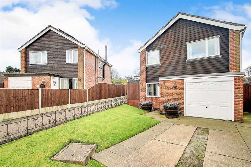 4 Bedrooms Detached House for sale in Newhaven Drive, Lincoln