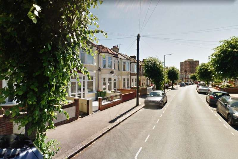 3 Bedrooms Terraced House for sale in Shakespeare Crescent, Manor Park, E12