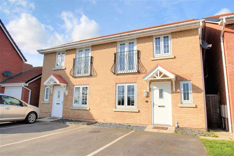3 Bedrooms Semi Detached House for sale in Quintus Place, North Hykeham, Lincoln