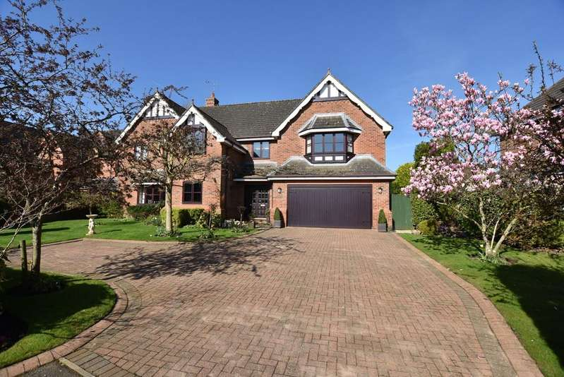 5 Bedrooms Detached House for sale in Kings Acre, Bowdon